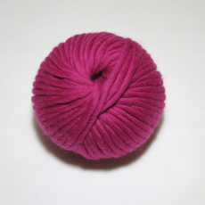 knit & hook - the bulky merino Knäuel - 905 Fuchsia