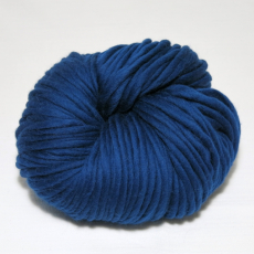 knit & hook - the bulky merino Strang - 906 Blau